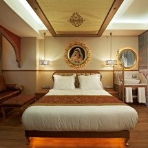 8 sultania hotel
